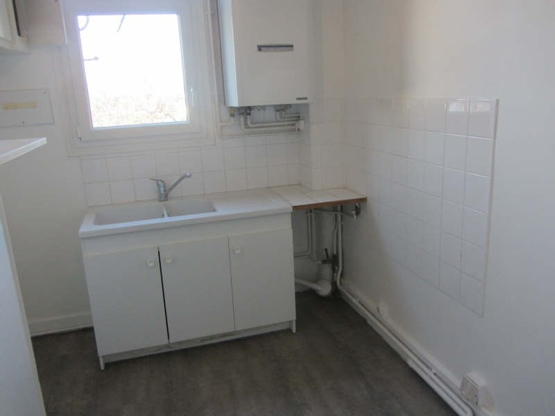Rental apartment Sucy en brie 930€ CC - Picture 6