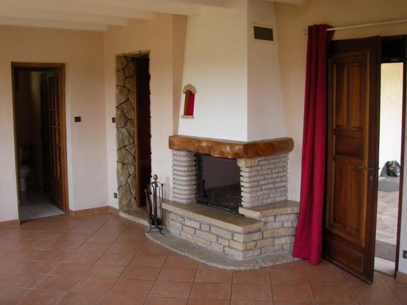 Location maison / villa Bouvesse quirieu 616€ CC - Photo 2