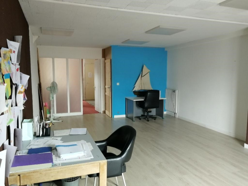 Investment property building Chateau renault 123300€ - Picture 2