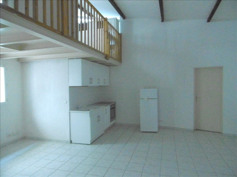 Sale apartment Aimargues 88 000€ - Picture 2
