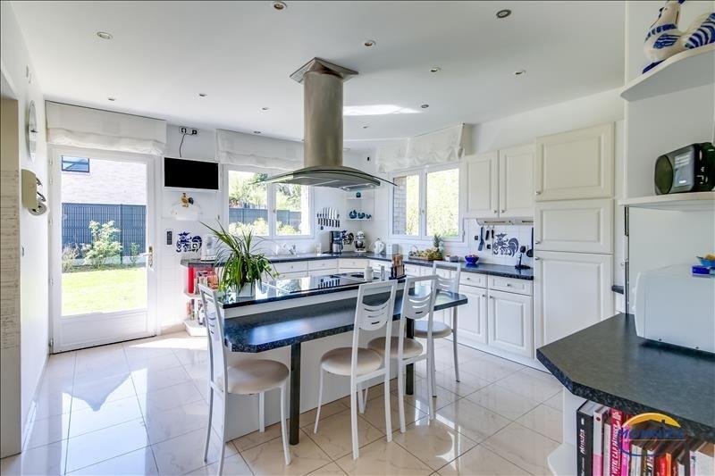 Sale house / villa Steenvoorde 436800€ - Picture 4