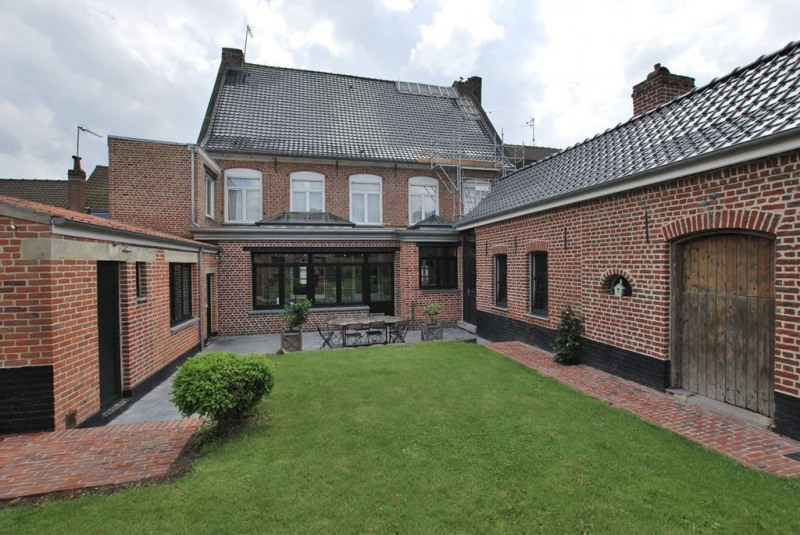 Sale house / villa Steenvoorde 545 000€ - Picture 1