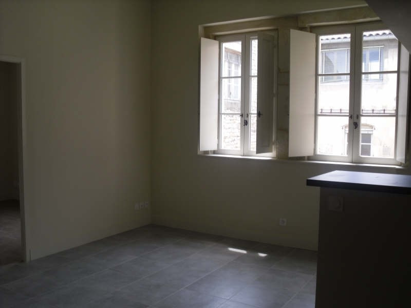Location appartement Nimes 474€ CC - Photo 5