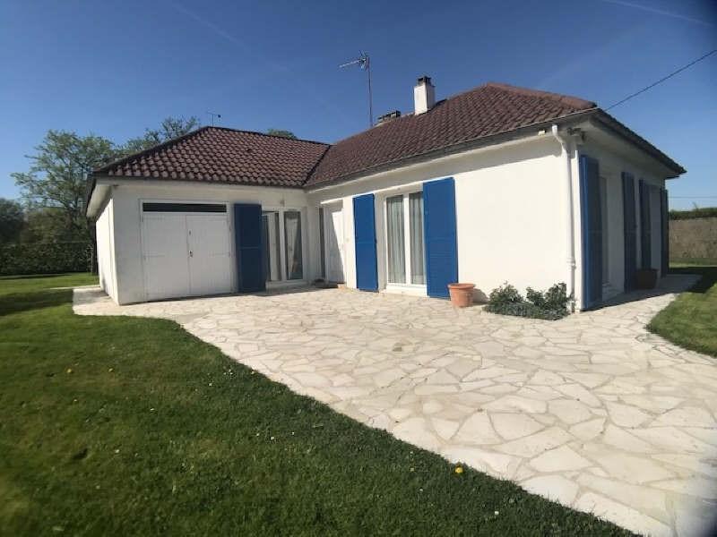 Sale house / villa Lesigny 395000€ - Picture 1