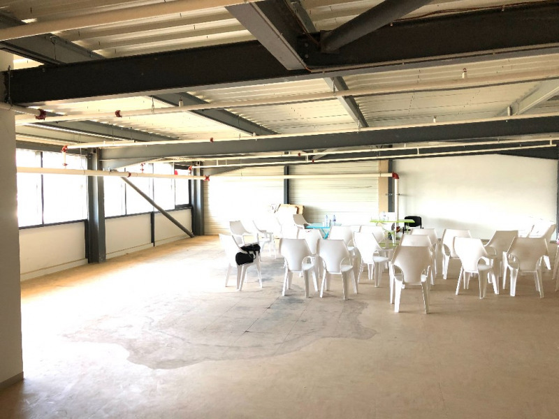 Location local commercial La ciotat 1 583€ HC - Photo 1