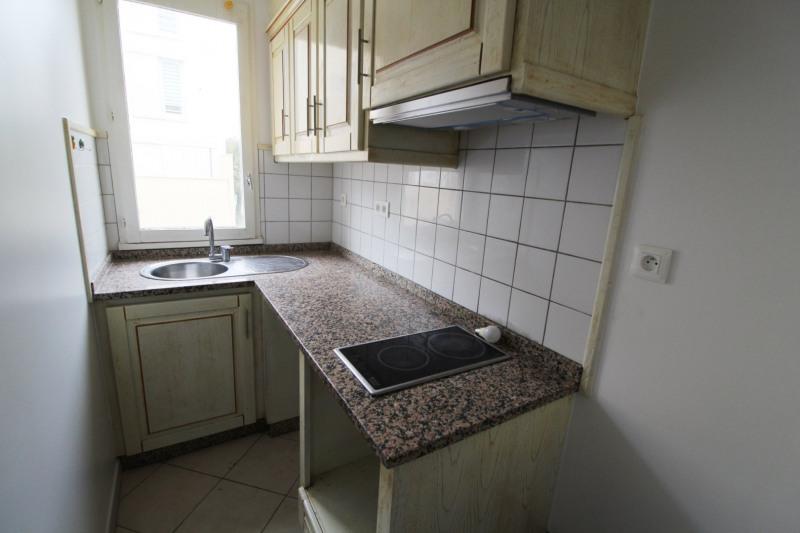 Rental apartment Maurepas 659€ CC - Picture 5