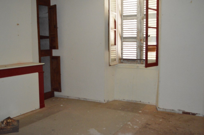 Sale house / villa Louvie juzon 64 000€ - Picture 4