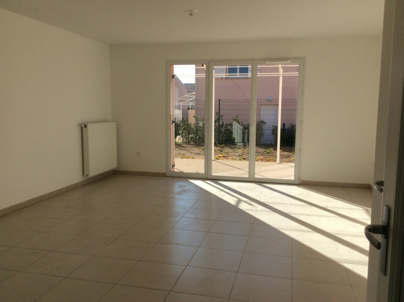 Location maison / villa Le muy 940€ CC - Photo 3
