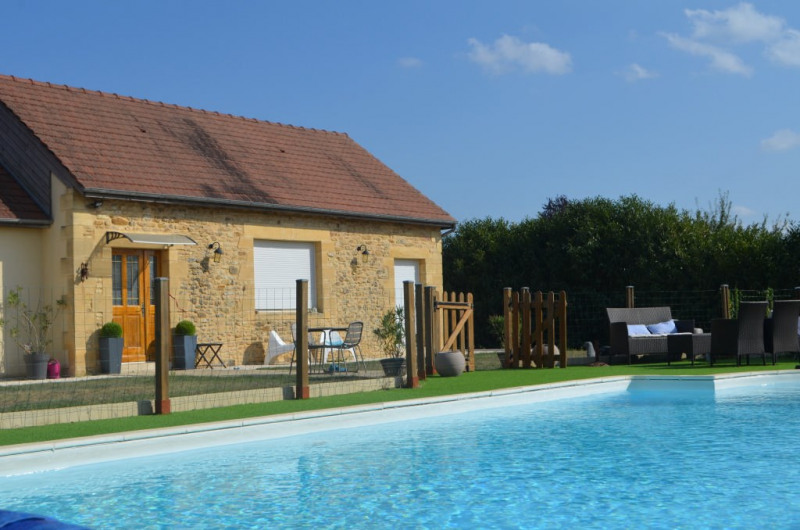 Sale house / villa Marcillac-saint-quentin 355100€ - Picture 1