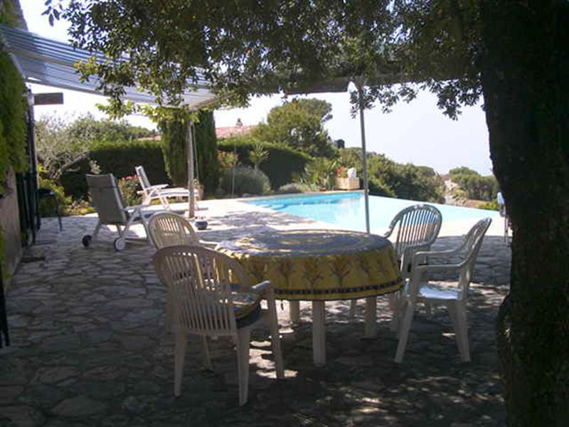 Vacation rental house / villa Les issambres 980€ - Picture 4