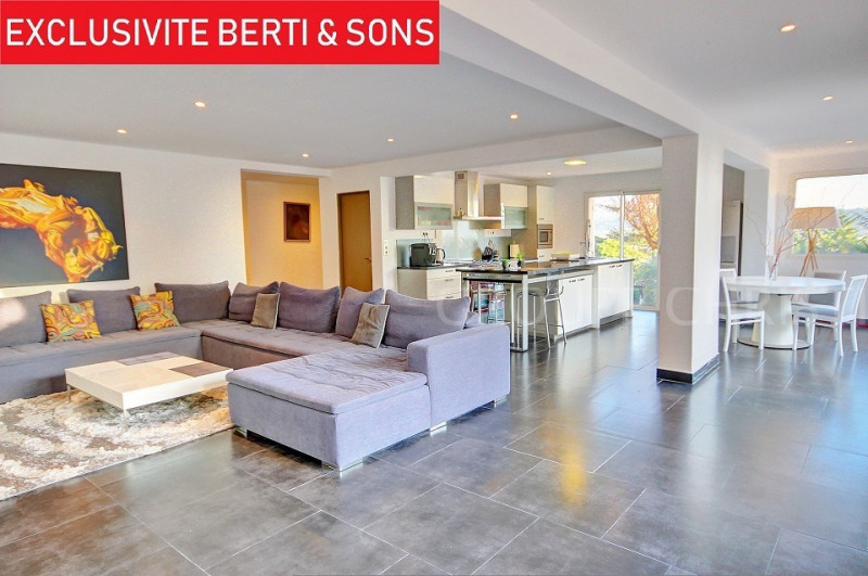 SOLE AGENT - PROVENCIAL VILLA RENOVATED CONTEMPORARY INSIDE 220M2 4 BEDROOMS+OFFICE LARGE LIVING ROOM+KITCHEN OF 70M2 ON 1000M2 LAND POSSIBILITY TO PARK 4 CARS.