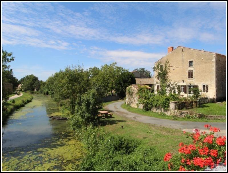 Sale house / villa Fontenay le comte 125000€ - Picture 1