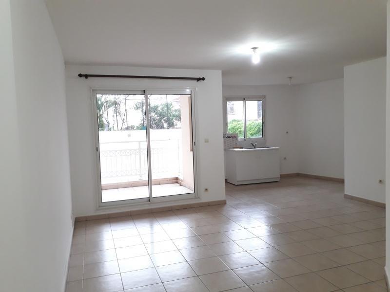 Location appartement St denis 634€ CC - Photo 2