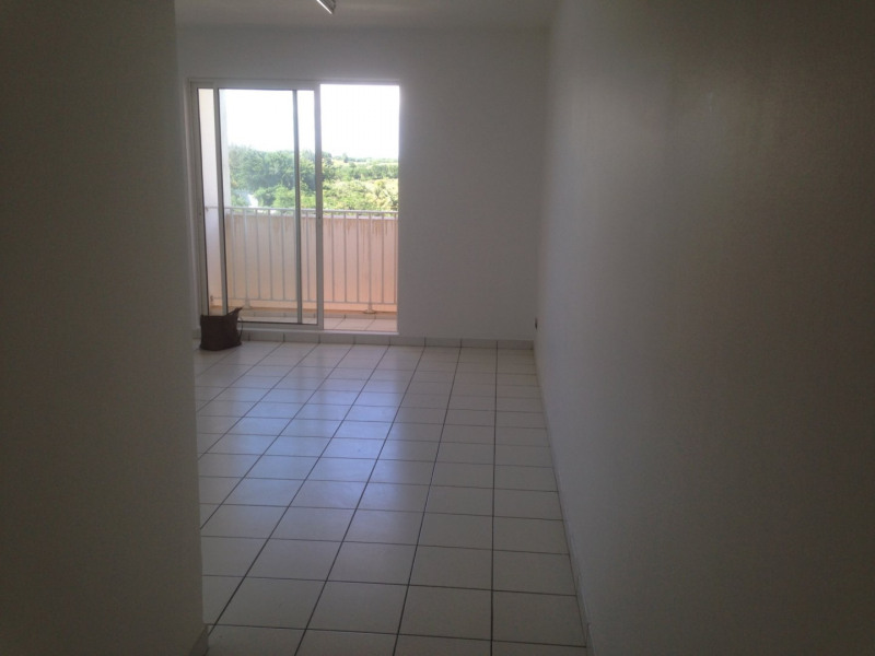 Sale apartment Ste luce 147 150€ - Picture 2