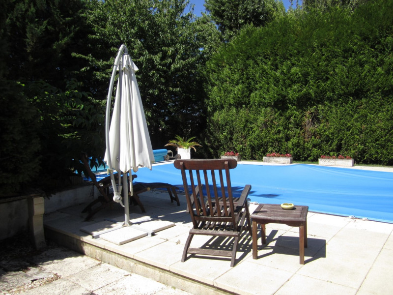 Sale house / villa Barbezieux saint-hilaire 209 000€ - Picture 2