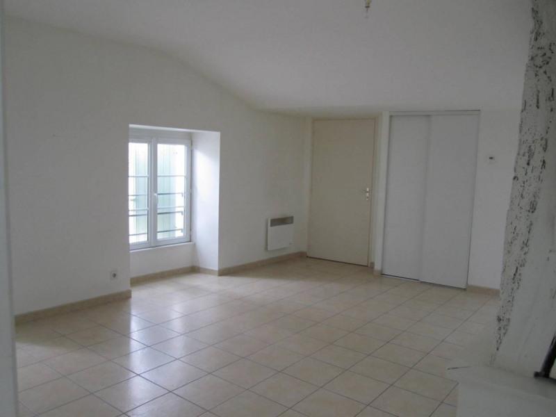 Rental apartment Archiac 450€ CC - Picture 1
