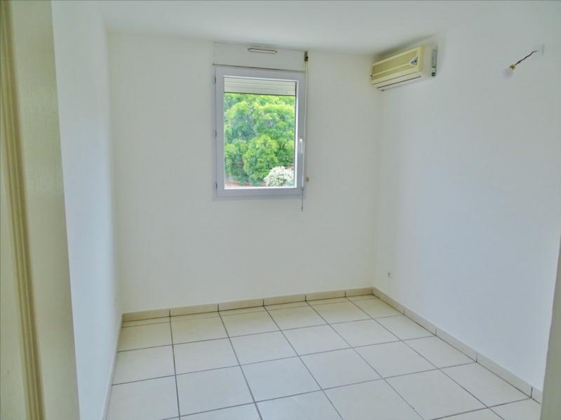 Locação apartamento Saint gilles les bains 728€ CC - Fotografia 6