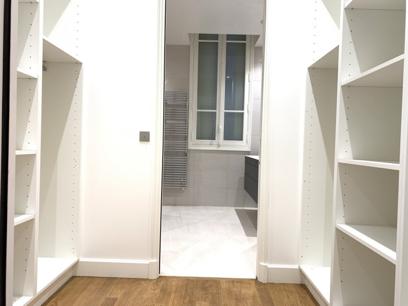Location appartement Paris 16ème 6 995€ CC - Photo 8