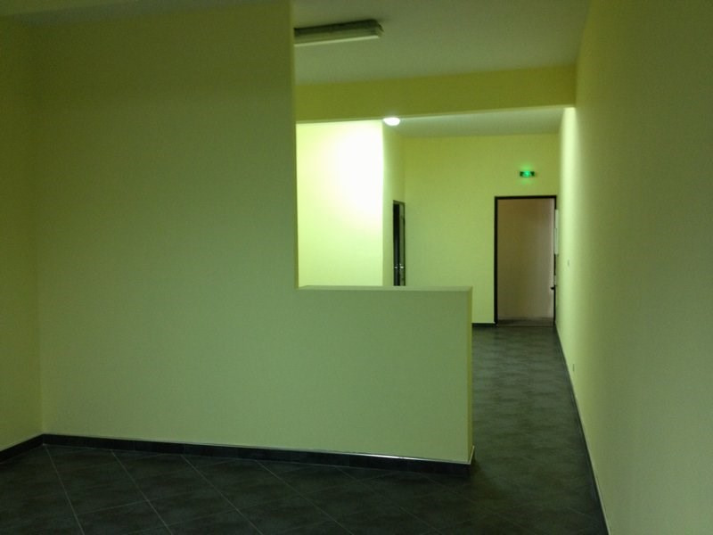 Rental empty room/storage Petite ile 916€ CC - Picture 4