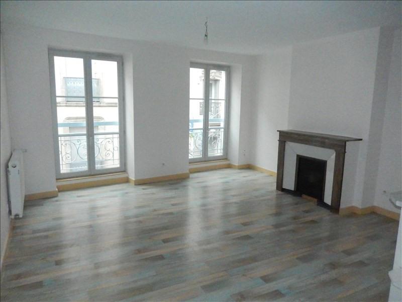 Location appartement Le puy en velay 349,79€ CC - Photo 1
