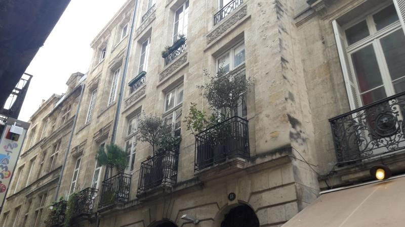 Vente de prestige appartement Bordeaux 599 000€ - Photo 2