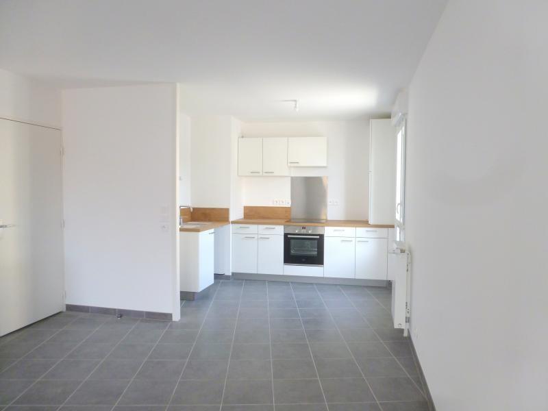 Rental apartment L hermitage 632€ CC - Picture 2