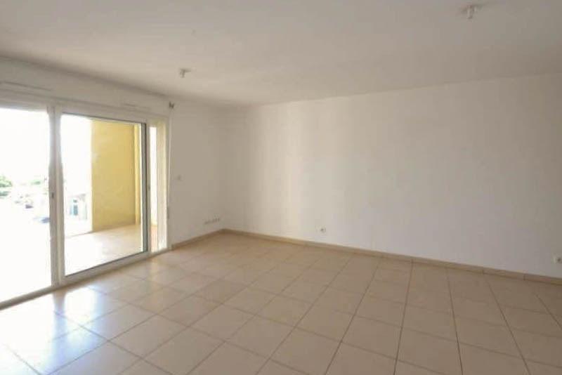 Sale apartment St pierre 174075€ - Picture 1