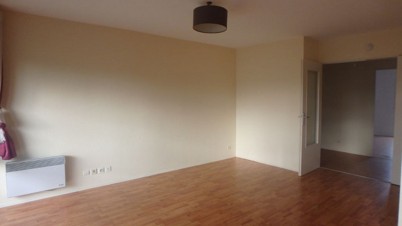 Rental apartment Deyme 730€ CC - Picture 2