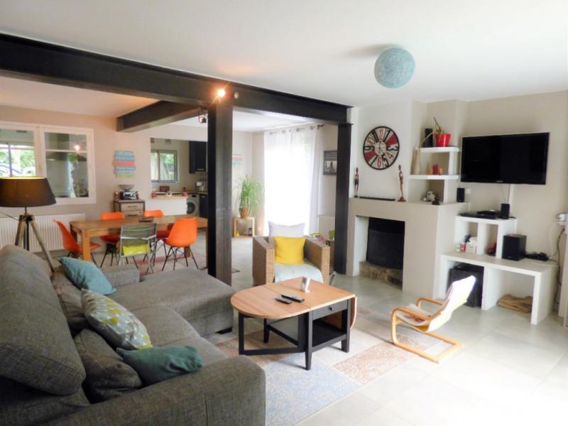 Sale house / villa Saint loubes 400000€ - Picture 2