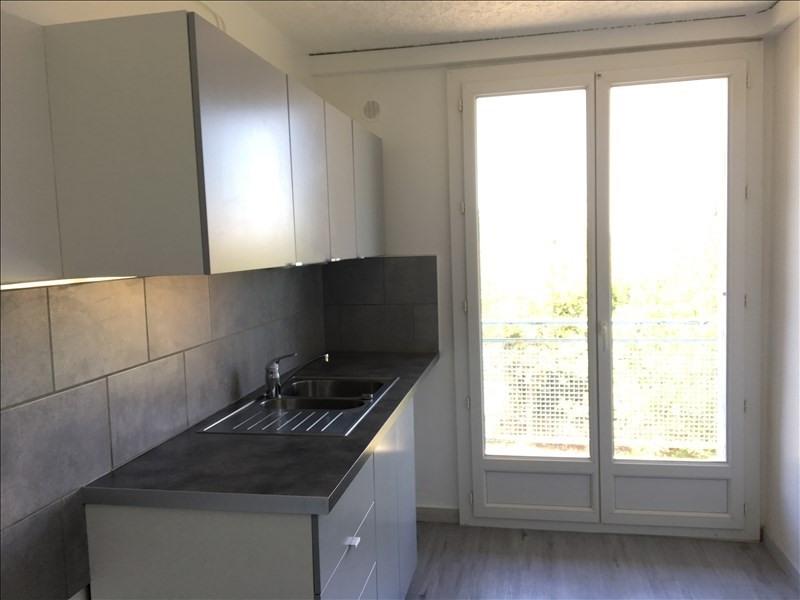 Rental apartment Pertuis 723€ CC - Picture 6