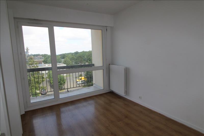 Rental apartment Maurepas 786€ CC - Picture 3