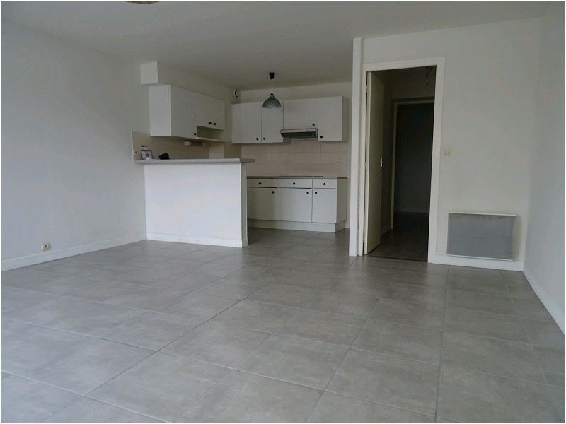 Rental apartment Savigny sur orge 728€ CC - Picture 1
