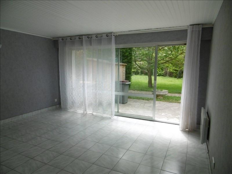 Rental apartment Bures sur yvette 544€ CC - Picture 1