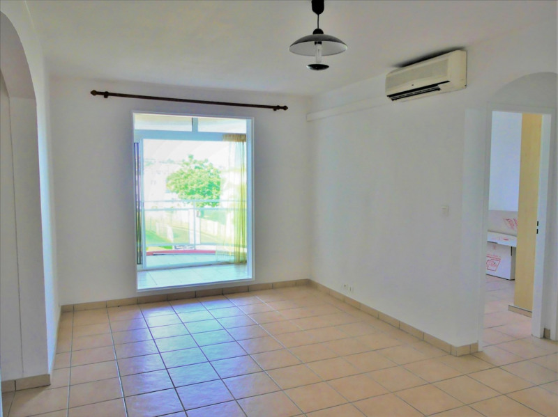 Rental apartment La possession 605€ CC - Picture 2
