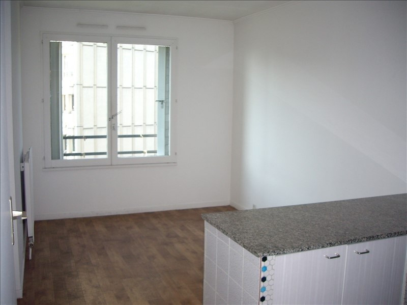 Location appartement Creteil 565€ CC - Photo 1
