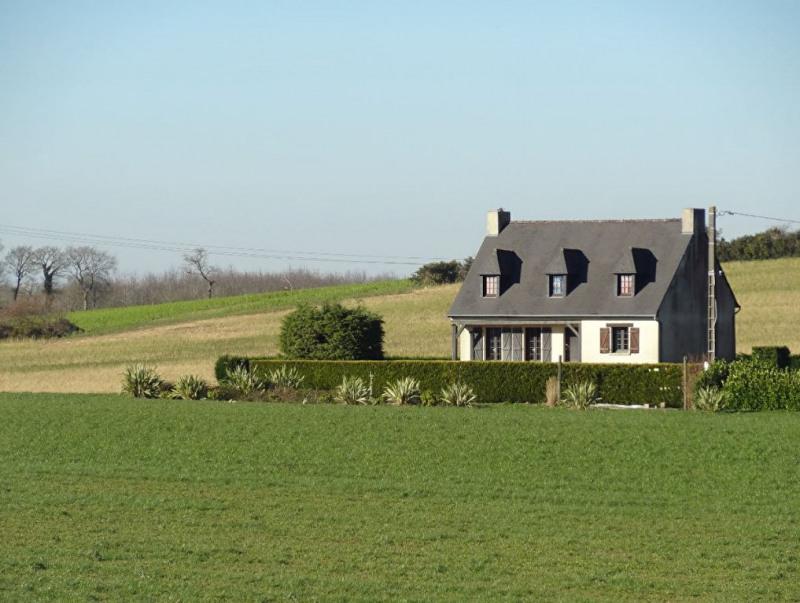 Sale house / villa Mael carhaix 190500€ - Picture 1