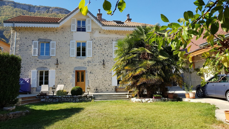 Revenda residencial de prestígio casa Barraux 639000€ - Fotografia 1