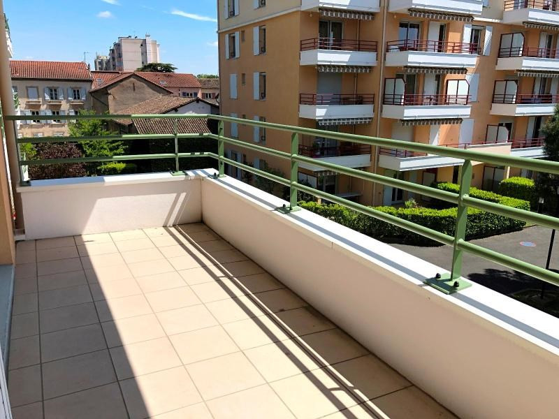 Location appartement Villefranche sur saone 575,75€ CC - Photo 7