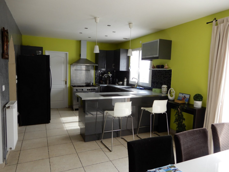 Sale house / villa Fontenay le vicomte 299000€ - Picture 2
