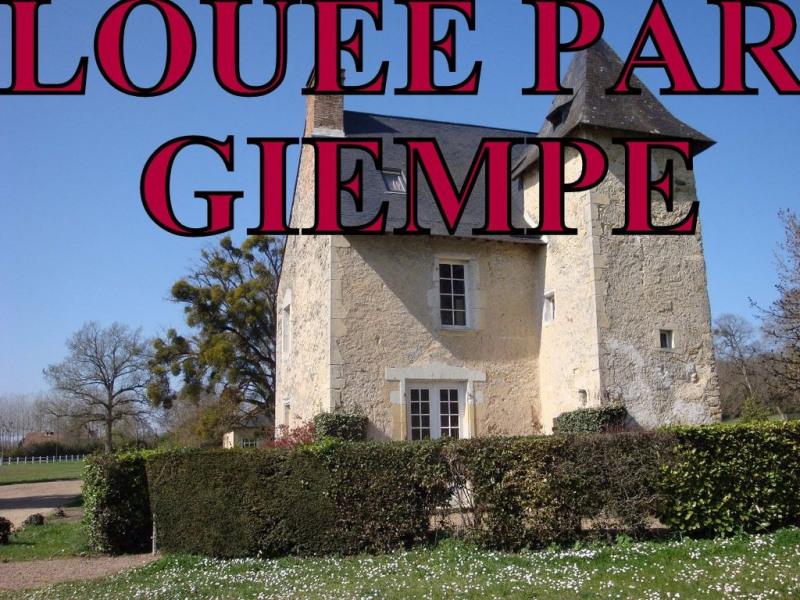 Location maison / villa Bazouges sur le loir 550€ CC - Photo 1