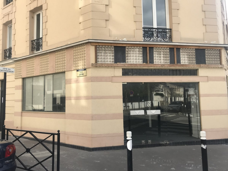 Location local commercial Courbevoie 1400€ CC - Photo 2
