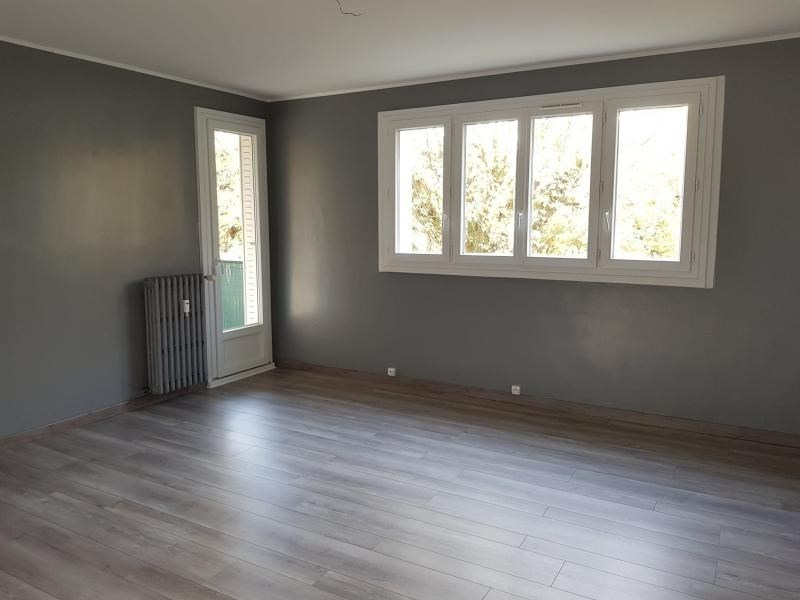Sale apartment Montfort l amaury 195 000€ - Picture 2
