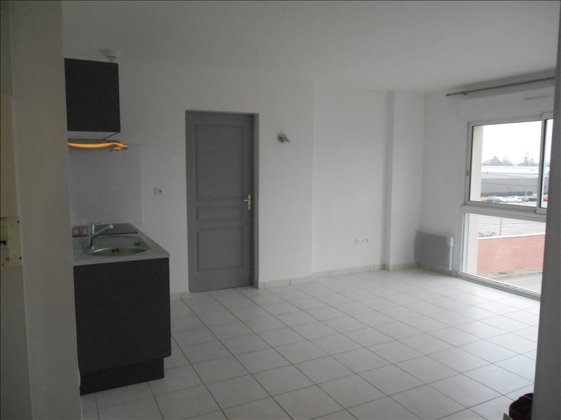 Rental apartment St julien les villas 520€ CC - Picture 5