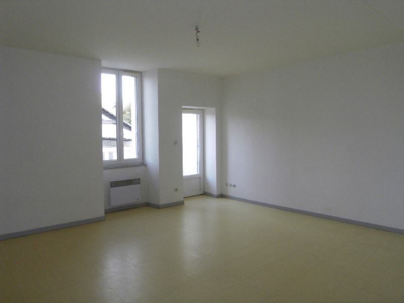 Location appartement Archiac 500€ CC - Photo 1
