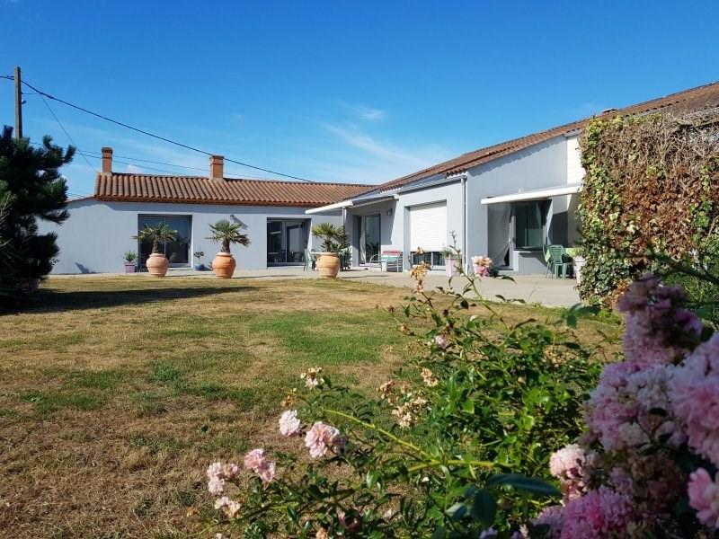 Deluxe sale house / villa Brem sur mer 591000€ - Picture 4