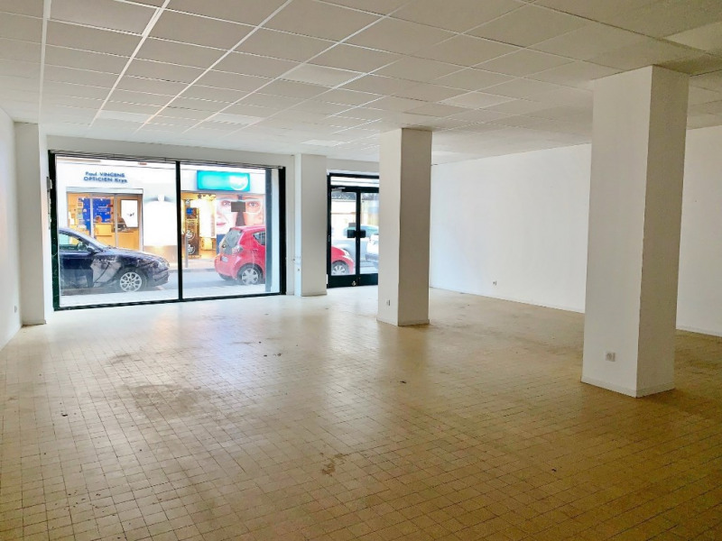 Location boutique La cote st andre 1 200€ CC - Photo 2