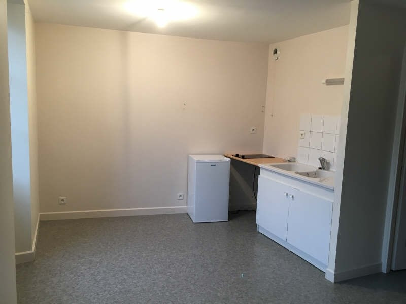 Rental apartment Poitiers 426€ CC - Picture 1