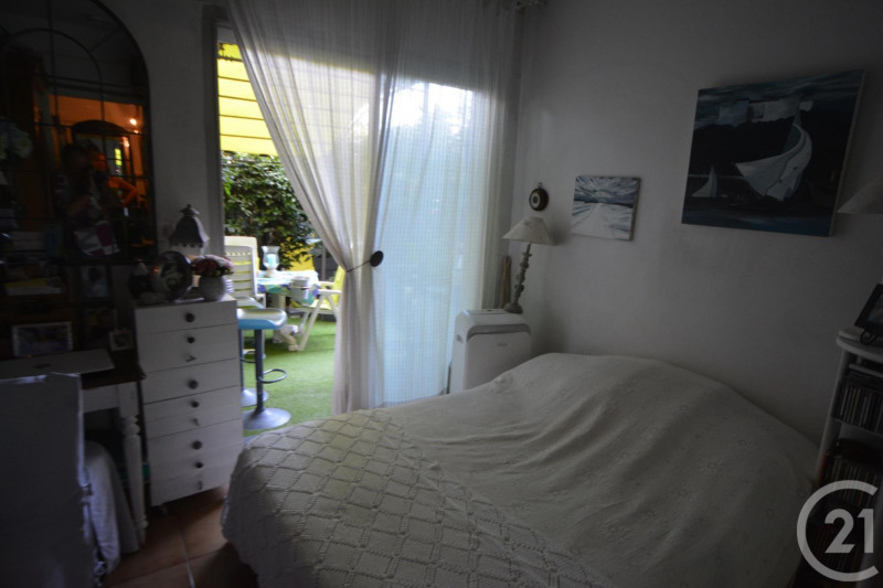 Sale apartment Antibes 397500€ - Picture 9