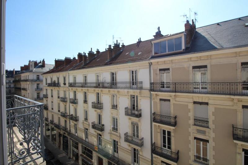 Sale apartment Grenoble 270000€ - Picture 2
