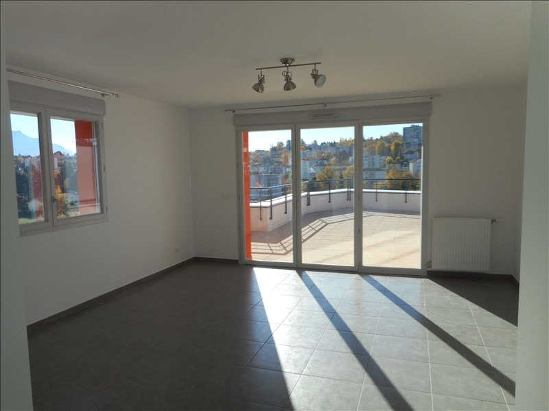 Location appartement Voiron 910€ CC - Photo 2